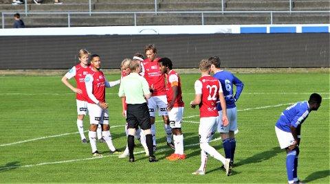 Utvist: Sander Ystanes fikk se det røde kortet allerede etter fem minutter mot Madla