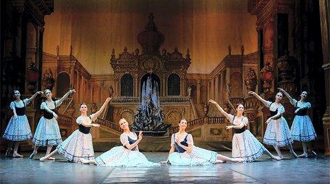 KLASSISK BALLETT: Moscow Art Ballet Theater kommer til Kongsberg musikkteater med Nøtteknekkeren i desember.