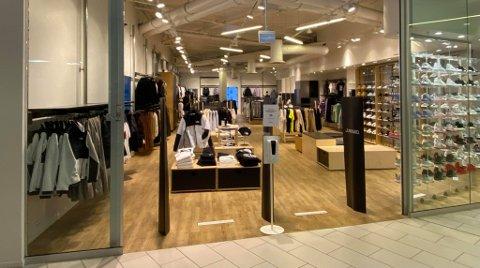 To butikker åpnet på Jekta på samme dag. Foto: Marius Medby