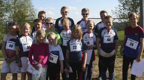 Mobiliserte: Snertingdal stilte med 16 ferske o-løpere da Mjøs-O-cupens tredje løp ble arrangert i hjembygda i strålende sommervær onsdag kveld. Foto: Privat