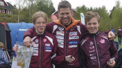 «Pappa» med sønnene: Fra venstre Even Lien (13), Øyvind Lien (far), og Lars Lien (13).                                                                                                           foto: Hans Ove Danielsen