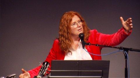 Caroline Waters fanget publikum med sin usedvanlige begavelse.
