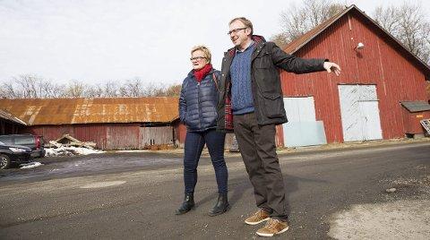 Forklarer: Turid Løsnæs og André Lysnes fra Ap forklarer hvorfor partiet snudde i saken om Øvre Verksgård.foto: Sigrid Ringnes