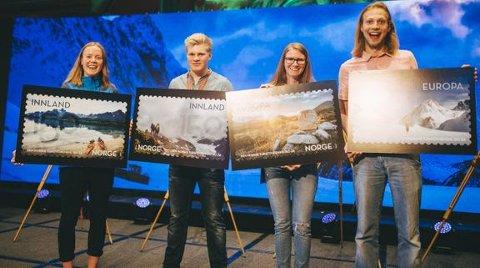 Representanter for DNT ung presenterte de fire frimerkene til stor jubel under Turistforeningens landsmøte i Oslo denne helgen. Fra venstre Amalie Fjellsøy, Markus Sæther Malmin, Johanne Grue Reiten og Konstantin Plotkin.