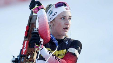 PÅ VENT: Emilie Ågheim Kalkenberg har hatt mye stang ut som skiskytter helt siden avslutningen på fjorårssesongen. Nå må elitelandslagsutøveren fra Skonseng UL nøye seg med IBU-cup istedenfor verdenscup. Foto: Terje Bendiksby
