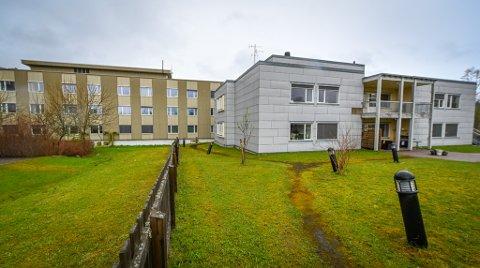 Deler av gamle Selfors gamle sykehjem brukes av Rana interkommunale legevakt, men Helgelandssykehuset leier i dag store deler av bygget. Nå er det avgjort at administrerende direktør Hulda Gunnlaugsdottir skal gå inn i forhandlinger med Rana kommune, med tanke på å overta bygningsmassen. Prisen er fem millioner kroner.