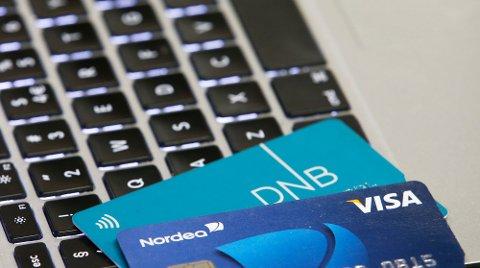 Oslo  20161104. Norges to største banker Nordea og DnB bekrefter at de har kunder som er rammet av den omfattende nettsvindelen med kort. Svindelen øker i omfang. Foto: Erik Johansen / NTB
