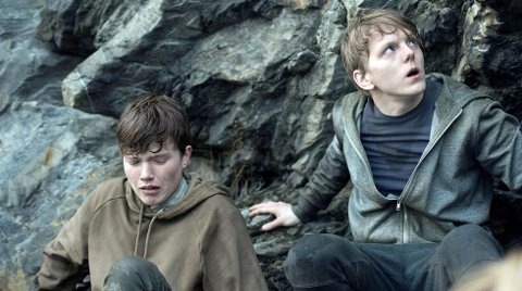 HOVEDROLLE: Jonas Strand Gravli (t.h.) spiller Viljar Hanssen i Netflix-filmen «22 July», som har premiere på én Oslo-kino og ellers over hele verde på Netflix 10. oktober.