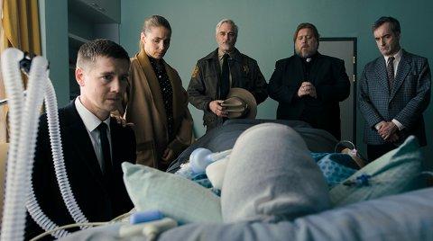 THE MIDDLE MAN : På Sverre Hagen har hovedrollen som mellommannen Frank Farrelli, som må slite med jobben han har fått.