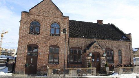 Stengt: Et indisk spisested på Jessheim st. ble stengt i mars.