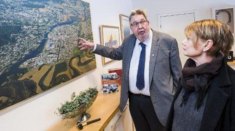 Ber om bane: Skedsmo-ordfører Ole Jacob Flæten og Lørenskog-ordfører Ragnhild Bergheim er begge erklærte tilhengere av bane på Nedre Romerike. Foto: Vidar Sandnes