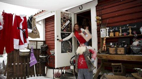 Hektisk måned: Fra denne lille butikken i Storgata 7 selger Hilde Cathrine Norderhaug ribbe fra produsenter med fokus på dyrevelferd.FOTO: ELISABETH JOHNSEN