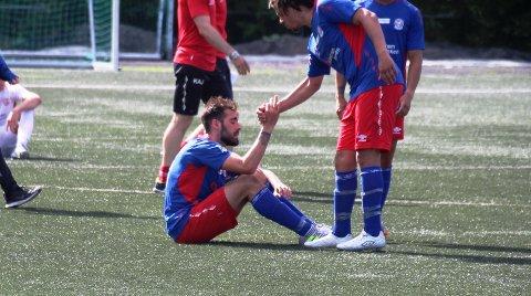 LANGT NEDE: Alvaro Torres var veldig skuffet etter at han ikke klarte å avgjøre lokaloppgjøret mellom Lørenskog og Skedsmo på overtid.