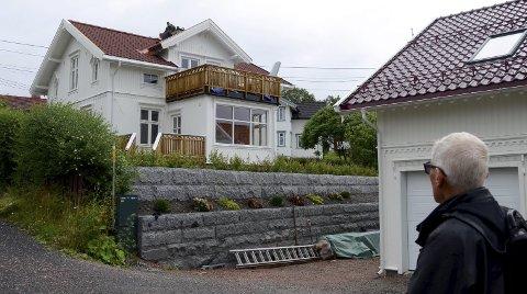 UAKTSOMT: Bygningssjefen mener Harald Morris har opptrådt uaktsomt i byggesaken i Båtstøveien 15. Politikerne reduserte overtredelsesgebyret med 5 000 kroner.