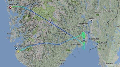 FRAM – OG NESTEN TILBAKE: Ett Widerøe-fly fra Stavanger valgte i stedet å gå til Bergen da siktforholdene var for dårlige på Torp.