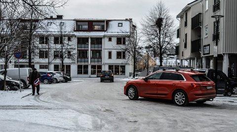 AAGAARDS PLASS: Både Hjertnes Eiendom og Sandefjord Byen Vår ber om at gjennomkjøringen fra Dronningens gate til Prinsens gate opprettholdes, selv om det blir enveiskjøring.