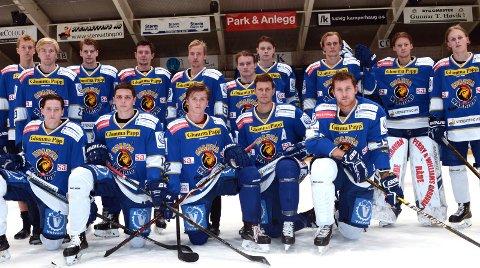 LANDSLAGSUTTAK: Kristian Østby (bakerst til venstre), Emil Martinsen Lilleberg (nr. 7 bakerst fra venstre), Jens Kristian Lillegrend (nr. 9 bakerst fra venstre), Jonas Meisingset (foran til venstre), Henrik Knold (nr. 2 foran fra venstre) Sander Thoresen (nr.3 foran fra venstre) og Tommy Kristiansen (nr. 4 foran fra venstre) er alle tatt ut for å representere Norges A-landslag og U20-landslag i november.
