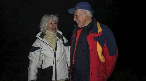 TIDSVITNE: Tre år gammel ble Mona Levin båret av sin mor gjennom Markers skoger og til Sverige, her sammen med sin gode venn Nils Skogstad, sønn av losen Iver Skogstad.