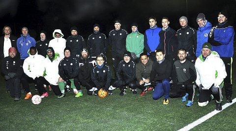 MANGE: Korsgård har nå så mange spillere at klubben antakelig stiller med to seniorlag neste år. Tirsdag kveld møtte vel 25 nye og gamle opp på desembertrening i nær ti minusgrader.