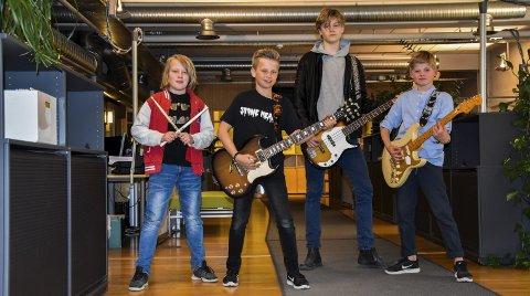 Stoneheart: Fra venstre: Gustav Sjøfar Hamberg (11), Theodor Jansen (13), Edvard Sjøfar Hamberg (13) og Eskil Myrhaug Sæther (11) i bandet Stoneheart.