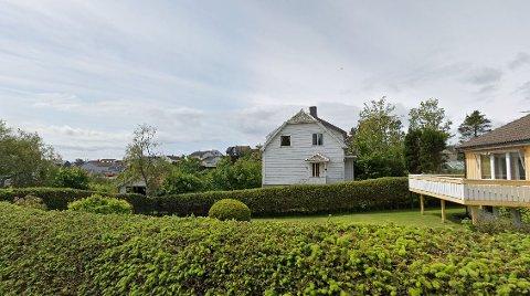 Det er eiendommen Losbåtvegen 8 (det hvite huset) som søkes delt i fire boligtomter.