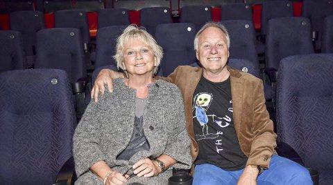 Frida Ohrvik har fått hedersprisen til Haugesund by. Her sammen med Øystein Dolmen i forbindelse med lanseringen av filmen om Knutsen og Ludvigsen i 2015.