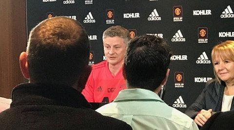 Ole Gunnar Solskjær under sin første pressekonferanse som Manchester United-manager.