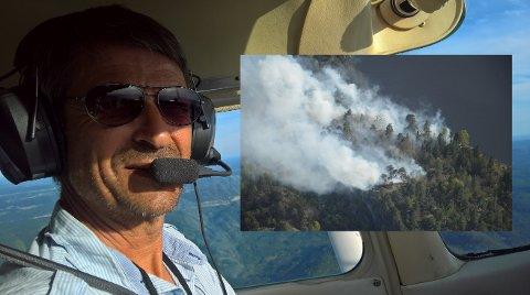 PÅ JAKT: Eivind Gjøtterud og hans kolleger i Sandefjord flyklubb jobber frivillig med å fly skogbrannvakt over Vestfold og Telemark. Innfelt ser vi bilde fra en skogbrann ved Kongsberg i 2018.