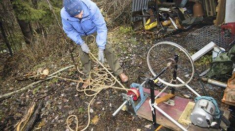 SMART: En 30–40 år gammel vaskemaskinmotor er nok for å spare Halvor Gjevre for mye tungt arbeid.