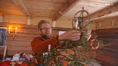 HJEMMELAGET: Tor-Evert lagde hjemmelaget julestjerne.