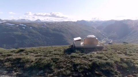 UTSIKT: I promovideoen på Arctic Dome Valdres sin Facebook-side får man se utsikten til sin fulle rett med dronevideo.