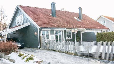 Åmålveien 39 B ble solgt 30.11.2018 for 5.000.000 kroner fra Alexander Rønbeck Grude og Cathrine Rønbeck Grude til Erik Albin Schjenken og Hege Sveistrup.