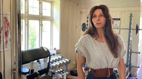 KJÆRESTE: Ragna Lise Vikre har støttet straffedømte Eirik Jensen fra Nesodden siden de ble et par i 2014. Den tidligere politimannen er dømt til 21 års fengsel. Lørdag skal Vikre i sitt første fengselsbesøk til Jensen i Kongsvinger.