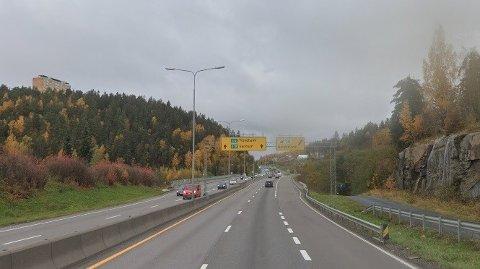 STOPPET: Den kvinnelige politibetjenten ble stanset av en sivil politipatrulje i dumpa ved Skullerud i Oslo.