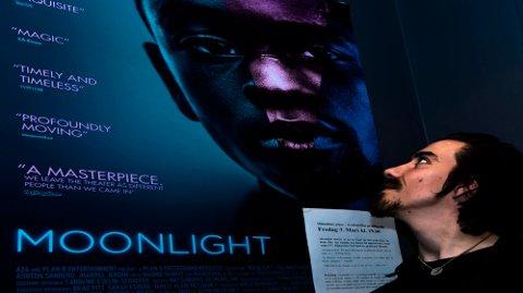 Kinosjef Martin Øsmundset setter opp Oscar-vinner for beste film på fredag.