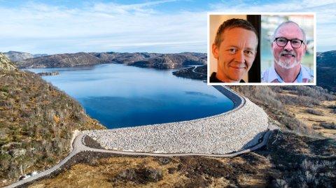 NEI OG JA: Magnus Stø Kittelsen (Frp) mener det er viktig med lokale energiselskaper, mens ordfører Per Kr. Lunden mener den varslede, mulige fusjonen med Glitre i Drammen er en god ide for Agder Energi.