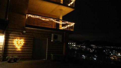 Her lyser det eit hjarte på sjukeheimen i Knarvik