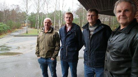 Svein Korsvold, Vegard Toska, Charles Lilleskare og Håvard Giesendanner er med i Forsvarsforeinga i Nordhordland.