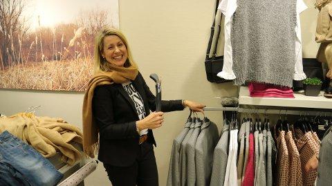 Hilde Flataker frå Frekhaug har drive butikk i Knarvik senter i 12 år.