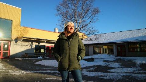 Helsesjukepleiar ved Knarvik ungdomsskule, Maria Angela Thingnes, pratar med ungdommane på Snapchat.