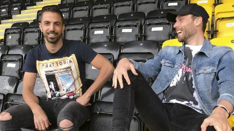 Topp stemning: Latteren sitter løst når José Isidoro og Jose Angel kan slappe av etter endt trening på Aspmyra. Foto: Freddy Toresen