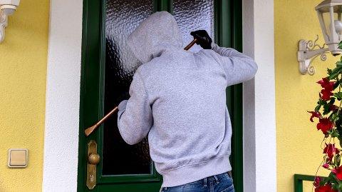 Ferietid er innbruddstid. Tryg Forsikring advarer mot tyver i påska.