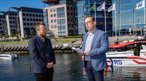 DIREKTØR: Alf Tore Sørheim (t.h.) er sjøfartsdirektør. Her sammen med næringsminister Torbjørn Røe Isaksen hvor de fremla den nye nasjonale handlingsplanen mot fritidsbåtulykker.