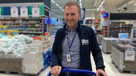 Lars Tendal er kjedesjef for Obs. Nå for kjedens nye teknologi motbør fra folket.