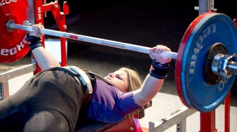 Ny verdensrekord: Anna Dorthea Espevik hadde selv den gamle junior-verdensrekorden i benkpress klasse -84 kg, med 165,5 kg. I EM i Spania i går høynet Tysnes-jenten til 170, og tok med det et suverent gull.  arkivfoto: skjalg ekeland