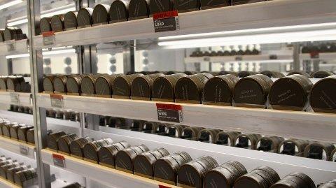 De senere årene har snusgigantene forsøkt å hente inn kunder gjennom tradisjonelle butikker. Her fra butikken like utenfor Oslo S. Foto: Espen Teigen (Nettavisen)
