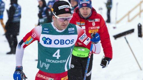 Sjur Røthe var lenge med i tetgruppen på gårsdagens femmil i Holmenkollen.