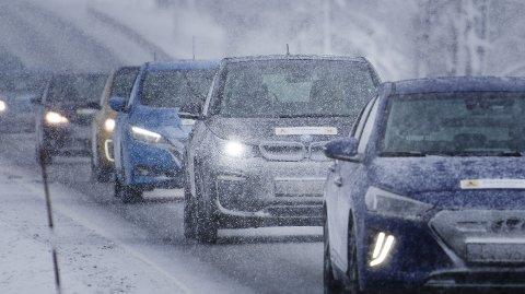 VINTERTEST: NAF og Motor har kjørt 20 forskjellige elbiler i en lang vintertest. Kulde og snø påvirker rekkevidden, og noen modeller havnet langt unna oppgitt forbruk.  FOTO: EIRIK ASPAAS / NAF /   FOTO: EIRIK ASPAAS / NAF /