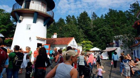 FOLKSOMT: Dyreparken i Kristiansand er veldig populær på sommeren, og det er ofte veldig folksomt. Arkivbilde. Foto: Tor Erik Schrøder (NTB)