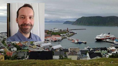 Ronny Holm, sektorleder for Helse, rehabilitering og omsorg i Nordkapp kommune, ber innbyggerne tenke seg om før de planlegger større fester i disse koronavirustider.